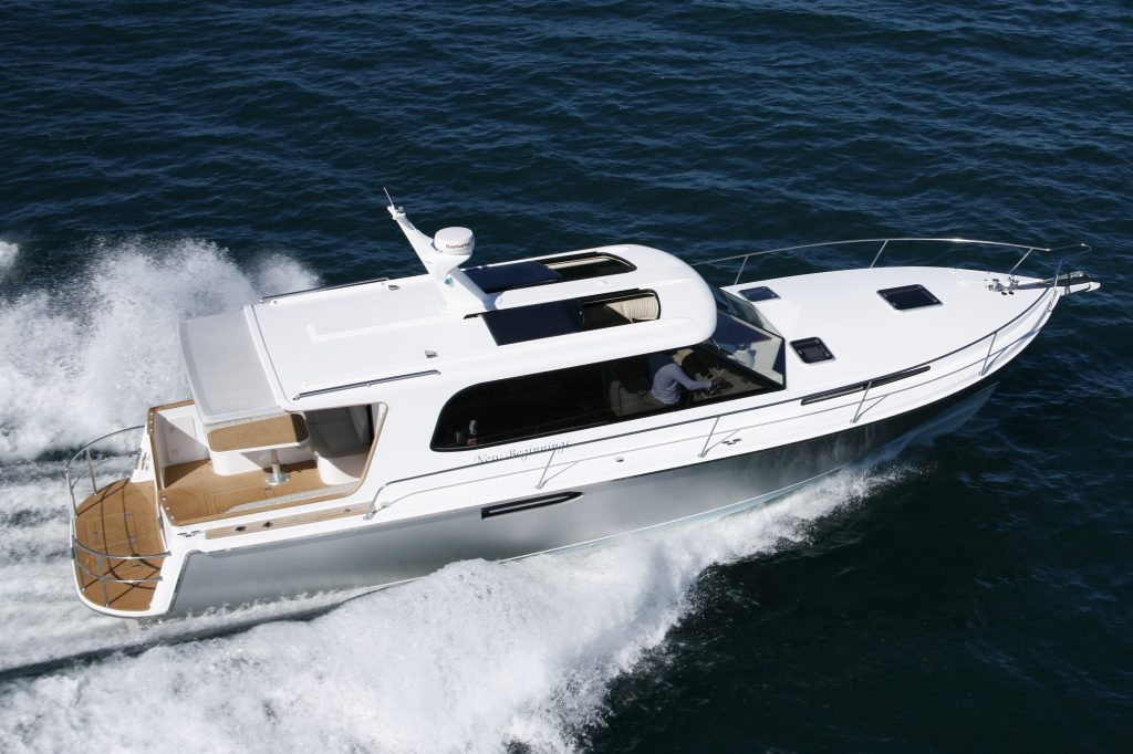 Hylas Yachts New M44 Power Yacht