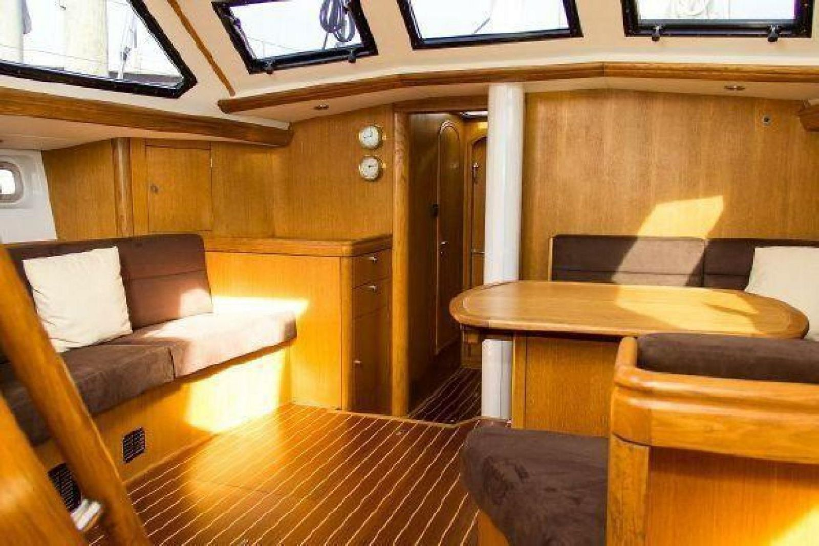 1996 Oyster Annapolis, MD | David Walters Yachts